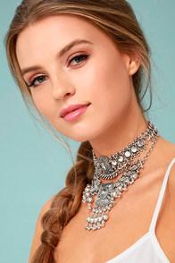 Dreams in Bali Silver Choker Necklace Set