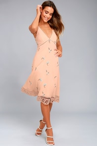 BB Dakota Haleigh Peach Embroidered Midi Dress