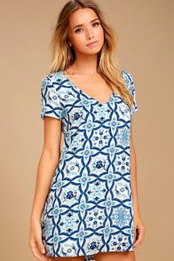 Mood Mosaic Blue and White Print Shift Dress