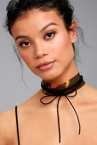 Rose For Today Black Floral Print Necklace Set