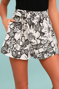 Up the Coast Beige Floral Print Shorts