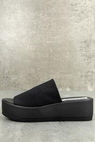Steve Madden Slinky Black Platform Slide Sandals