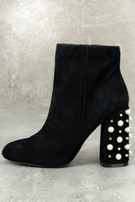 Steve Madden Yvette Black Suede Leather Studded Booties