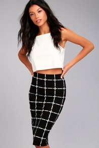 Strike a Pose Black and White Grid Print Pencil Skirt