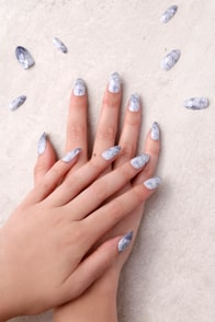 Static Nails Hard As Stone White All In One Pop-On Manicure Kit