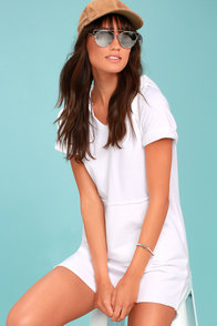 Relaxed Resort White Hooded Dress