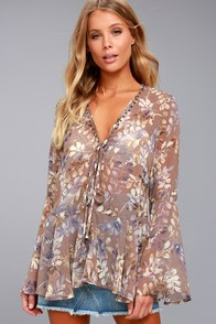 Sprawling Scenery Taupe Print Long Sleeve Top