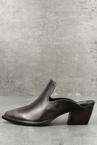 Sbicca Mulah Pewter Leather Pointed Toe Mules