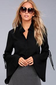 Estrella Black Long Sleeve Button-Up Top