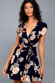 Picturesque Love Black Floral Print Wrap Dress at Lulus.com!