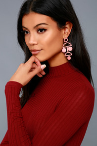 1960s Inspired Fashion: Recreate the Look Cam Rose Pink Drop Earrings $27.00 AT vintagedancer.com