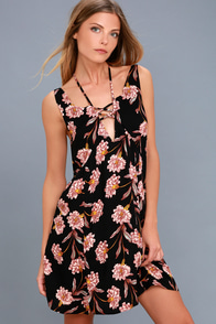 Painting The Stars Black Floral Print Sleeveless Dress at Lulus.com!