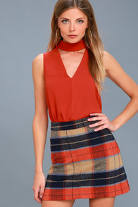 Ciao Bella Coral Red Cutout Mock Neck Top at Lulus.com!