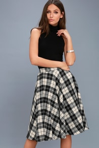 Bristol Black And White Plaid Flannel Midi Skirt at Lulus.com!
