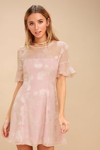 Luminous Love Mauve Pink Shell Print Flounce Sleeve Dress at Lulus.com!