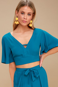 Kiana Teal Blue Tie-Back Crop Top at Lulus.com!