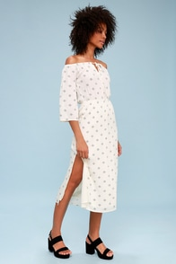 Cruz Ivory Print Off-the-Shoulder Midi Dress at Lulus.com!