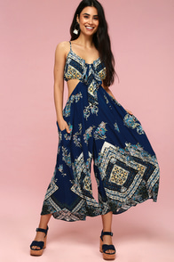 Bella Navy Blue Print Tie-Front Cutout Jumpsuit at Lulus.com!