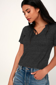Rebel Heather Black Notched Cropped Tee