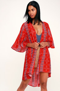 Savasana Red Multi Print Midi Kimono Top at Lulus.com!