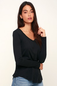 Becka Black Long Sleeve V-Neck Top at Lulus.com!