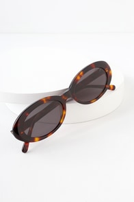 The Sweet Leaf Dark Tortoise Oval Sunglasses at Lulus.com!