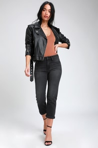 Tracey Washed Black High Rise Straight Leg Cropped Jeans at Lulus.com!