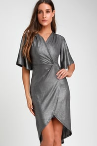 You're The Stun Charcoal Grey Metallic Midi Dress at Lulus.com!