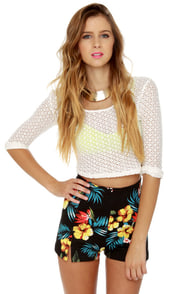 Motel Dixie Black Floral Print High-Waisted Shorts at Lulus.com!