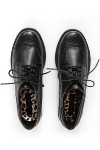 Dollhouse Trickster Black Brogue Lace-Up Oxfords at Lulus.com!