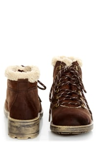 Rocket Dog Timber Chocolate Brown Faux Fur-Trimmed Hiking Boots at Lulus.com!