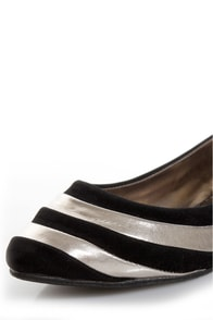 Dollhouse Amuse Black and Silver Striped Pointed Flats at Lulus.com!