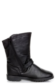 Zsa Zsa Black Belted Motorcycle Ankle Boots at Lulus.com!