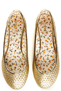 Restricted Waffle Gold Metallic Waffle Weave Ballet Flats at Lulus.com!