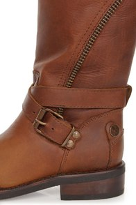 Zigi Girl Tutor Tan Distressed Leather Zipped Motorcycle Boots at Lulus.com!