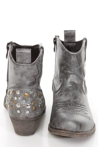 Big Buddha Waves Black Distressed Studded Western Ankle Boots at Lulus.com!