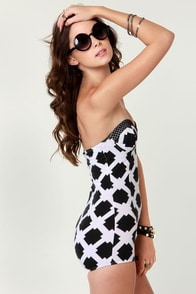 Motel Matilda Black and White Print Strapless Bodysuit at Lulus.com!