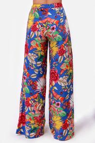 Tropic of Interest Wide Leg Floral Print Pants at Lulus.com!