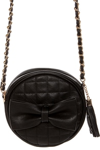 Right Round Quilted Black Purse at Lulus.com!