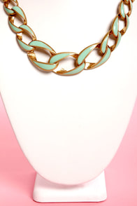 Back in Lacquer Chain Collar Necklace at Lulus.com!