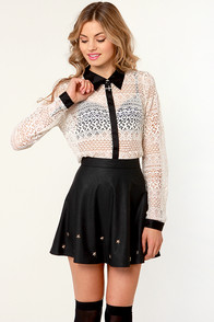 Jumping For Doily Black and Beige Lace Top at Lulus.com!