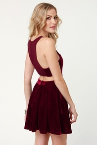Mink Pink Snow Palace Cutout Burgundy Velvet Dress at Lulus.com!