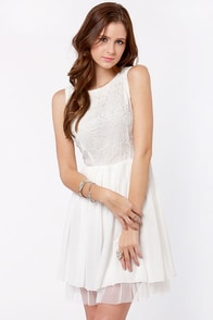 Bead-gonias in Bloom Beaded White Dress at Lulus.com!