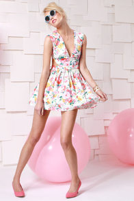 Brat Pack Ivory Cutout Floral Print Dress at Lulus.com!