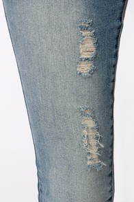 RVCA Badlands Distressed Skinny Jeans at Lulus.com!