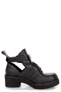 Steve Madden Ave-A Black Leather Cutout Belted Platform Booties at Lulus.com!