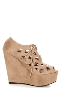 Soda Resist Oat Cutout Lace-Up Platform Wedges at Lulus.com!