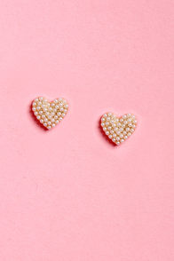 Girl Crush Pearl Heart Earrings at Lulus.com!
