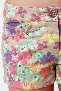 Lei Down the Law Studded Floral Print Shorts at Lulus.com!