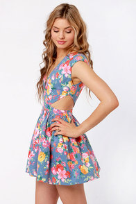 Brat Pack Blue Cutout Floral Print Dress at Lulus.com!